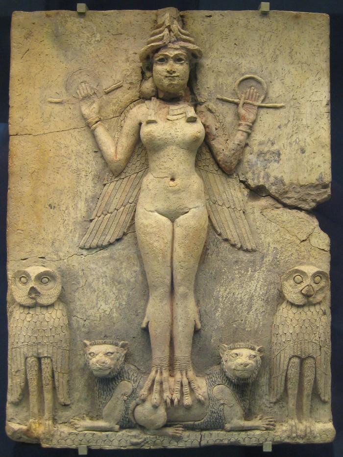Imagen de Lilith datada entre los años 1800-1750 a. C., imperio paleo babilónico, Museo Británico