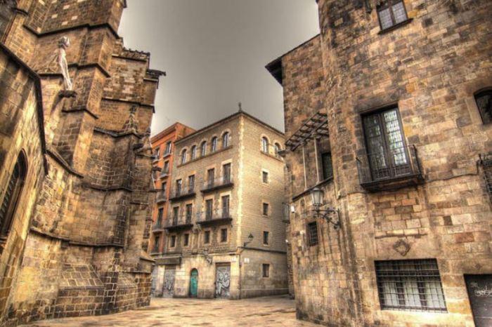 barrio-gótico-barcelona-min